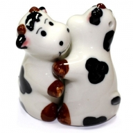 Salt & Pepper - Hugging Cows