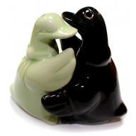 Salt & Pepper - Hugging Ducks Black & Green